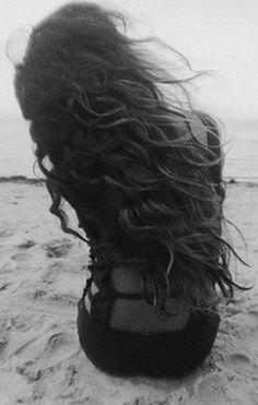 фотографии девушек на аву брюнеток со спины