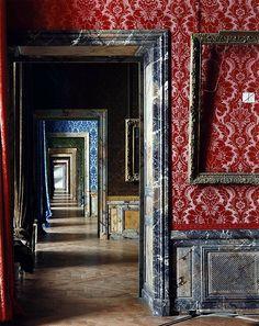 Cadre Vide, Chateau Versailles (1985) by Robert Polidori