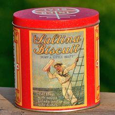 NABISCO Saltina Biscuit...  vintage c. 1980 tin...  by CoolVintage