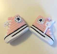 Crochet baby booties Converse style