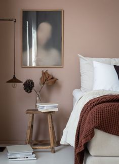 Dusty pink bedroom walls 00045 Published September 2019 at in Trackbacks are closed, but you can .Your email address will not be published. Required fields are mark Dusty Pink Bedroom, Pink Bedroom Walls, Best Bedroom Paint Colors, Pink Walls, Home Bedroom, Warm Bedroom Colors, Bedroom Ideas, Modern Bedroom, Bedroom Designs