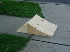 Learn how to build a simple BMX ramp with these materials and how-to video. Bmx Ramps, Skateboard Ramps, Scooter Ramps, Build A Bike, Japanese Paper, Easy Projects, Project Ideas, Diy Paper, Feng Shui