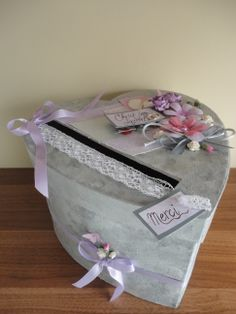 urne de mariage Wedding Boxes, Lunch Box, Meli Melo, Tables, Crafts, Weddings, Gifts, Wedding, Money Box