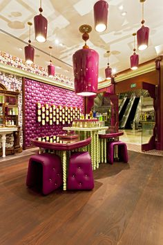 Penhaligons Flagship Boutique by Jenner Studio in Singapore. Photographs by Michael Franke #retaildesign #shopdesign #visualmerchandising #interiordesign - More wonders at www.francescocatalano.it