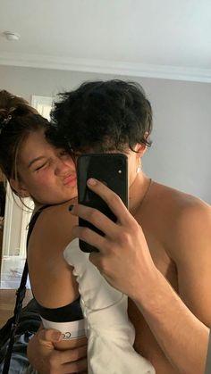 Beaux Couples, Cute Couples Photos, Cute Couple Pictures, Cute Couples Goals, Cute Couple Selfies, Couple Ideas, Couple Stuff, Couple Things, Couple Gifts
