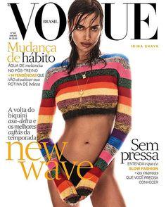 E eis a segunda capa da edição de janeiro da Vogue Brasil, que começa a chegar às bancas nesta quinta-feira, com a cover girl @irinashayk fotografada pelo italiano @giampaolosgura, em Nova York. Aqui a russa veste tricô @miumiu, calcinha @intimissimibrasiloficial e joias @carlaamorim_. A edição de moda é de @yasminesterea, com maquiagem de @nikimnray (The Wall Group) e cabelo de @benskervin (Streeters). Garanta o seu exemplar! #voguejaneiro, #irinashayk