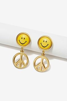 Vintage Moschino Peace Earrings | Shop Vintage Goldmine #2 - Moschino at Nasty Gal