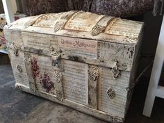 47 Ideas painting old furniture rustic diy Rattan Furniture, Colorful Furniture, Repurposed Furniture, Rustic Furniture, Diy Furniture, Old Trunks, Vintage Trunks, Trunks And Chests, Antique Trunks