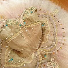 Ballet Wear, Ballet Tutu, Ballet Dancers, Ballet Shoes, Tutu Costumes, Ballet Costumes, Belly Dance Costumes, Modern Dance Costume, Ballet Russe