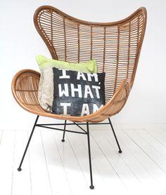 Egg chair van rotan