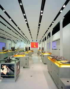 Mac Cosmetics Store New York #applestorearchitectureretail Pinned by www.modlar.com