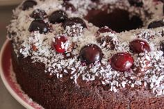 Vegan Chocolate & Beetroot Cake - from the Yoga kitchen #vegetalien