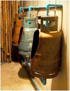 Urinal from Repurposed Gaz Bottles Do-It-Yourself Ideas Home Improvement Interactive, Happening & Street Art Recycling Metal Man Cave Basement, Man Cave Garage, Garage Bar, Basement Studio, Basement Bathroom, Bathroom Remodeling, Man Cave Diy, Man Cave Home Bar, Propane Tank Art