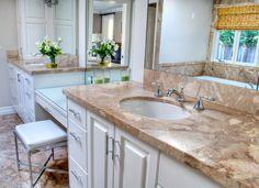 Togliere il calcare dal top di marmo del bagno