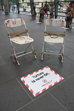 35 Never Before Seen Guerilla Marketing Examples Photo.: