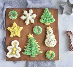 Soft, No Spread Sugar Cookies - In Fine Taste Cream Cheese Cookie Recipe, Cream Cheese Sugar Cookies, Christmas Sugar Cookie Recipe, Xmas Cookies, Cake Cookies, Roll Out Sugar Cookies, Sugar Cookies Recipe, Cookie Recipes, Christmas Cake Pops