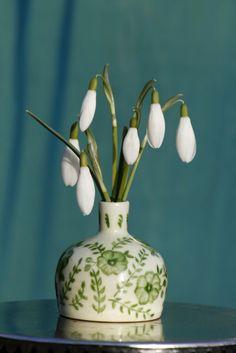 snödroppar Garden Plants, Bujo, Planting Flowers, Vase, Spring, Pictures, Inspiration, Home Decor, Flowers