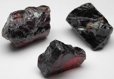 images/facet-rough/garnet/almandine-garnet-03102012-1-1.jpg.jpg