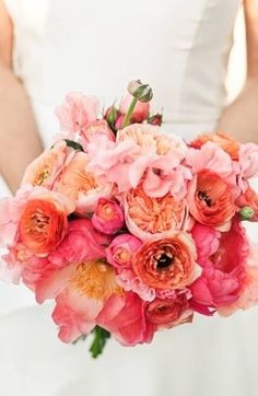 Bridesmaid's bouquet color inspiratin: coral and peachy pink