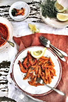 Pratos e Travessas: Penne com molho de chilis e camarões # Penne with shrimp and chili sauce | Recipes, photography and stories