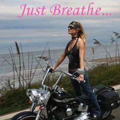❤️ Women Riding Motorcycles ❤️ Girls on Bikes ❤️ Biker Babes ❤️ Lady Riders ❤️ Girls who ride rock ❤️ Motos Vintage, Vintage Motorcycles, Lady Biker, Biker Girl, Rolls Royce, Women Riding Motorcycles, Women Motorcycle, Motorcycle Design, Chicks On Bikes
