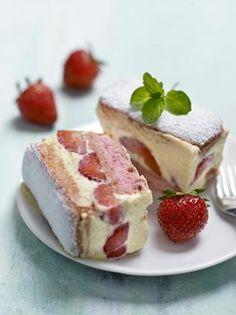 Fraisier express aux biscuits roses , super facile et c'est une troooooop bon !!!!