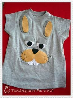 Tenikeguan: Catálogo Camisetas This site has more similar critters as well. Sewing For Kids, Baby Sewing, Cute Tshirts, Tee Shirts, Embroidery Fabric, Machine Applique, T Shirt Diy, Applique Quilts, Embroidery Techniques
