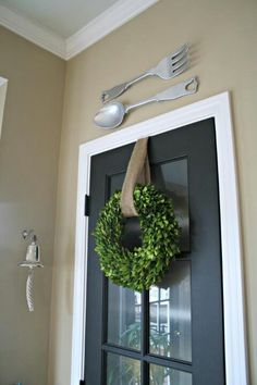 {Spring Boxwood Wreath for indoors} -- would be pretty on the laundry room door or master bedroom door.