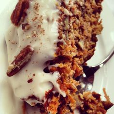 Carrot Cake. Paleo, Gluten Free, Dairy Free, Grain Free & Sugar Free. Recipe on www.eatwelltravelfar.com