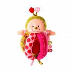 Grijprammelaar Liz - Lilliputiens €19.95  Liz het elfje is een grappige rammelaar. In hun lijfje verbergen ze een leuk speelgoedje. Je kan ze makkelijk meenemen en overal aan vastmaken.
