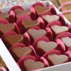 Chocolate Bonbon, Valentine Chocolate, Chocolate Donuts, Chocolate Treats, Love Chocolate, Chocolate Molds, Chocolate Fudge, Homemade Chocolate, Chocolate Lovers