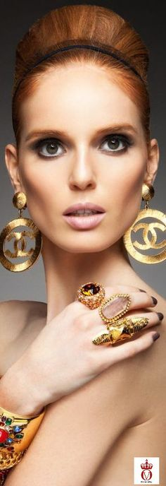 Chanel: I wish I still had these earrings. Prom Earrings, Chanel Earrings, Chanel Jewelry, Luxury Jewelry, Statement Earrings, Chanel Brooch, Gold Earrings, Jewelry Accessories, Fashion Accessories