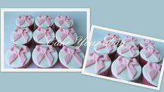 Roze strik cupcake