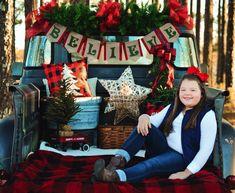 Christmas Mini Sessions, Christmas Truck, Christmas Tree Farm, Christmas Photo Cards, Outdoor Christmas, Christmas Pictures, Family Christmas, Winter Family Pictures, Holiday Pictures