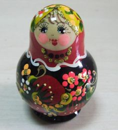 I bought this Russian Voznesenskay Nesting dolls Matryoshka set 5 pcs hand painted *  It is a perfect gift...you can buy it at #home #decorative #russiandolls