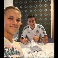 Firma de autografos en Noruega! @jamesrodriguez10 @realmadrid #AdmiradoresJamesRodriguez #JamesRodriguez #SelecciónColombia #Colombia #ColombiaSomosTodos #RealMadrid #Madrid #HalaMadrid #HalaMadridYNadaMas #Rusia2018