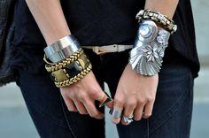 On the right : Mangocuff Ipekyolbracelet Vintage rings On the left: Mangogold  black bracelet Victorias Secretthin bracelet Vintage silver cuff Topshopring