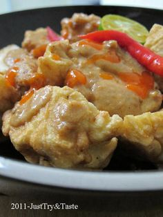 Just Try & Taste: Membuat Batagor: Bakso Tahu Goreng Asian Recipes, Beef Recipes, Snack Recipes, Cooking Recipes, Healthy Recipes, Asian Foods, Healthy Food, Chicken And Beef Recipe, Indonesian Cuisine