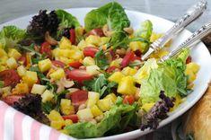 Kjempegod og enkel salat! - Franciskas Vakre Verden Comfort Food, Cobb Salad, Cantaloupe, Food And Drink, Fruit, Mango Salat, Pineapple, Lettuce Recipes, Food Items