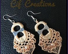 Crochet jewelry 509399407837708683 - Original earrings made with micro-macramé technique on a tab of the can. Placed in a nice gift box. Soda Tab Crafts, Can Tab Crafts, Macrame Earrings, Macrame Jewelry, Crochet Earrings Pattern, Crochet Patterns, Recycled Jewelry, Handmade Jewelry, Pop Top Crafts