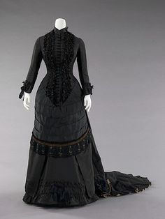Dinner Dress, apparently, it's Spanish!  How exciting!  1880.  The Met.