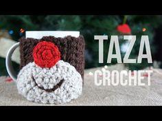 Video paso a paso de cómo hacer una funda para la taza con motivo navideño de crochet. Un detalle ideal para regalar estas navidades y mantener nuestras mano...