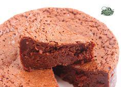 Voilà encore une autre recette de gâteau au chocolat?? Oui et non, car celui-ci est pour moi réellement incroyable par sa texture! Un...
