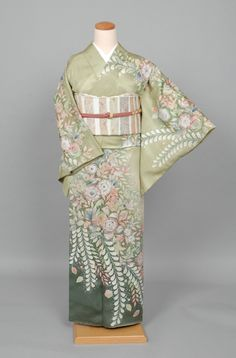 g-hm132b    #2625 Japanese Clothing, Japanese Outfits, Japanese Kimono, Traditional Japanese, Traditional Outfits, Yukata Kimono, Express Women, Nihon, Saris