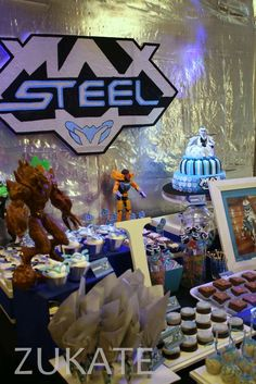 Joaquin amazing Max Steel´s party   CatchMyParty.com