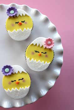 Hatching chick cupcakes.