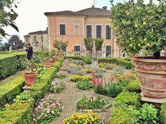 """The Italian Garden of """"Villa Buonaccorsi"""" to #PotenzaPicena is located about 16 km from the #Sanctuary of #Loreto. ❤  Il Giardino all'Italiana di """"Villa Buonaccorsi"""" si trova a circa 16 km dal #Santuario di #Loreto (Italy)."""