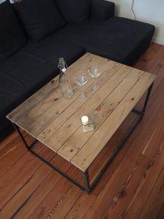 Votre Table Basse Au Style Industrielle Est Desormais Terminee Table Diy Fabriquer Une Table Basse Table Industrielle Table Basse