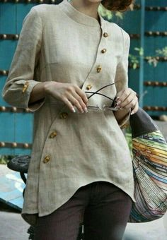 Blouse design idea and inspiration 021 fashion Kurta Designs, Blouse Designs, Indian Designer Wear, Linen Dresses, Mode Outfits, Sewing Clothes, Dress Patterns, Designer Dresses, Fashion Dresses