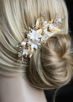 Hair Styles – Hair Care Tips and Tricks Bridal Comb, Hair Comb Wedding, Headpiece Wedding, Wedding Hair Pieces, Bridal Headpieces, Fascinators, Sleek Wedding Dress, Gold Wedding, Brilliant Braid